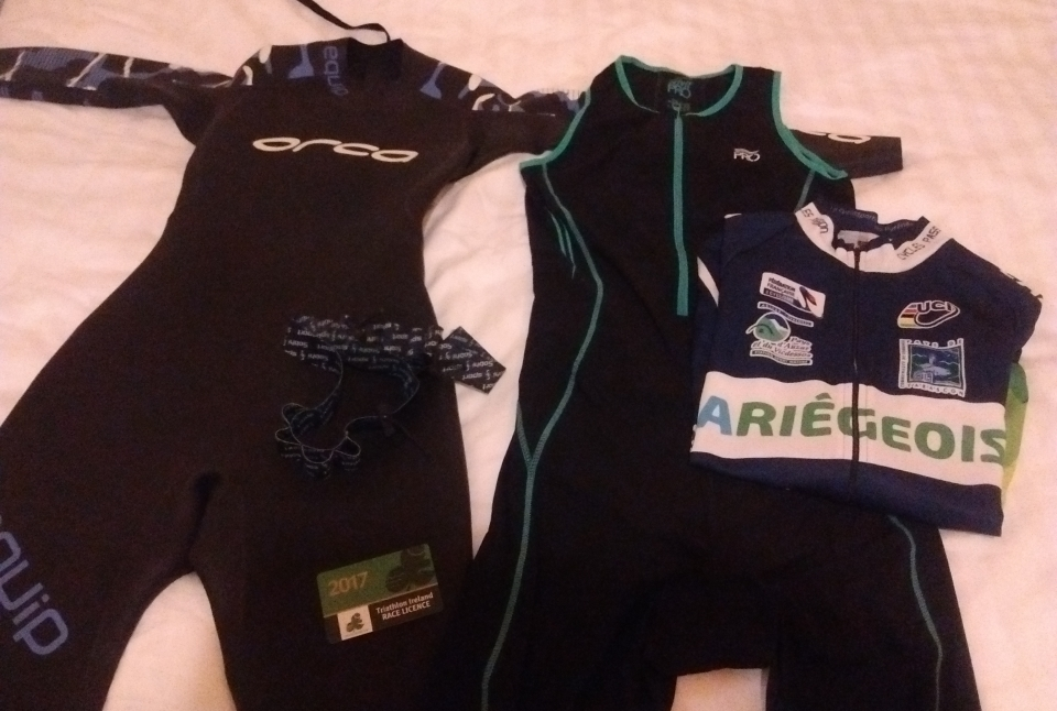 wetsuit and trisuit laid out ready for racing