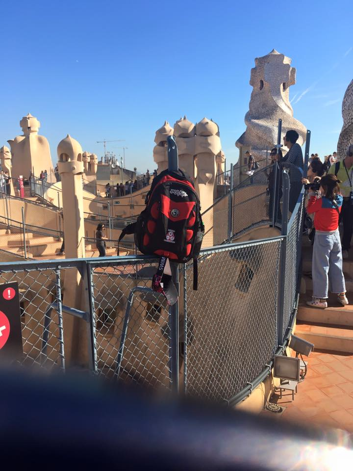 Pulse bag on a fence at La Pedrera (Casa Mila) - Jen Shorten, Barcelona, posted 6th October 2017.
